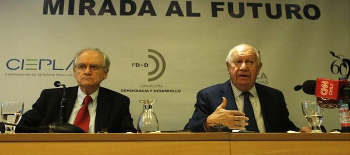 """Con la presencia del ex mandatario Ricardo Lagos, se desarrolló seminario """"Mirada al Futuro"""" en las dependencias de FLACSO-Chile"""